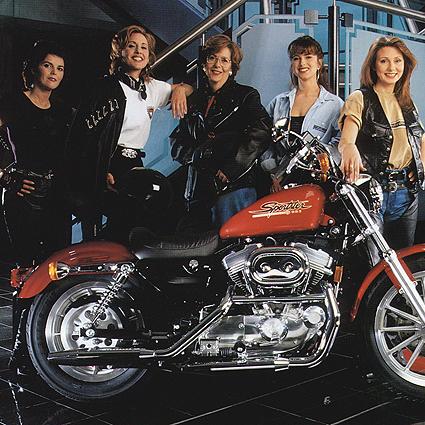 biker-girls-women-harley-davidson1